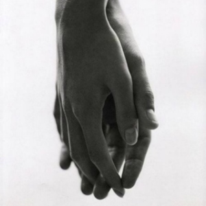 hands-9330